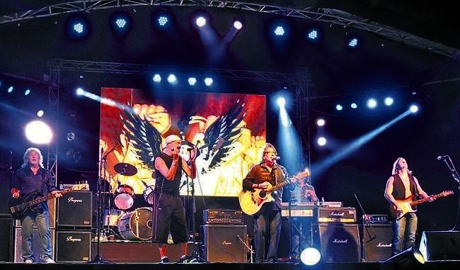 smokie-hornbill-festival